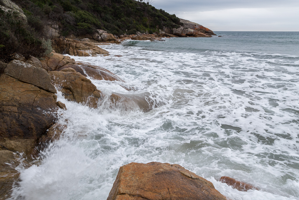 high-tide-lighthouse-point-wilsons-promontory