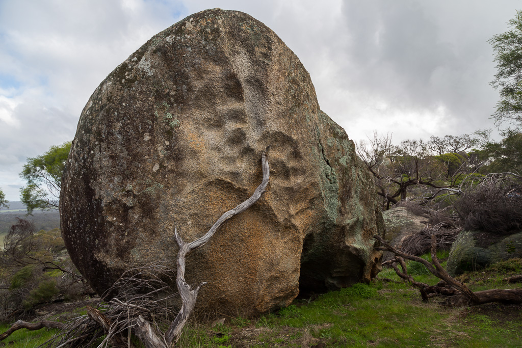 large-boulder-mount-kooyoora