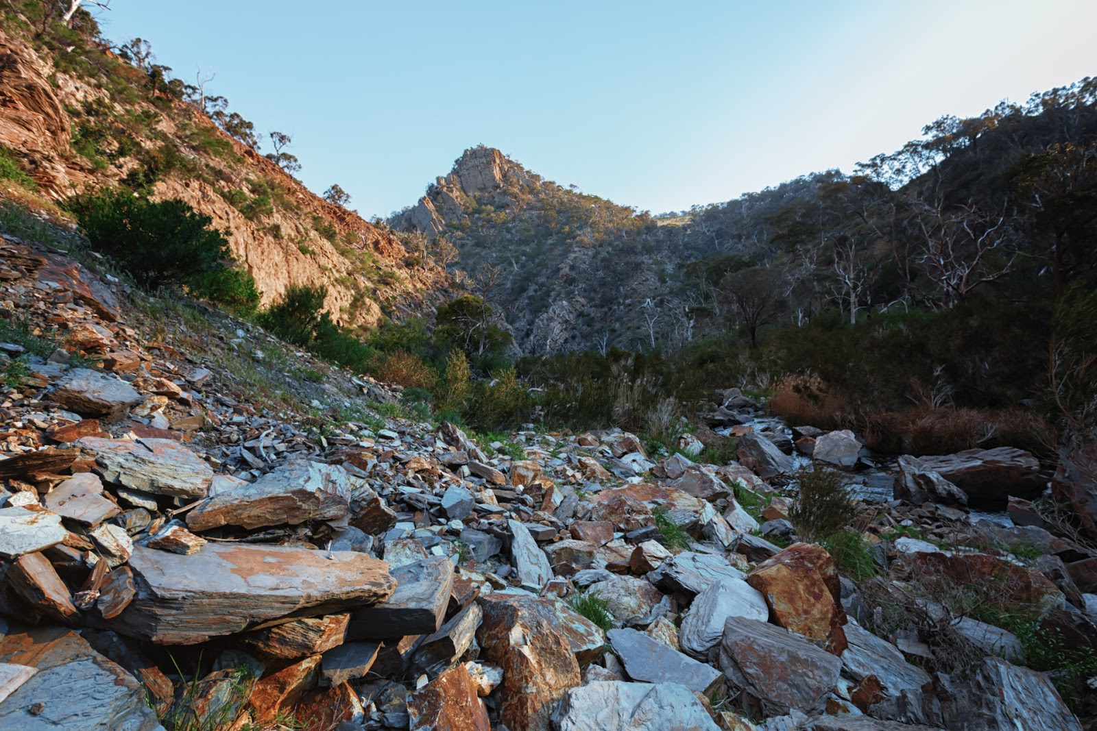 rocks-werribee-gorge