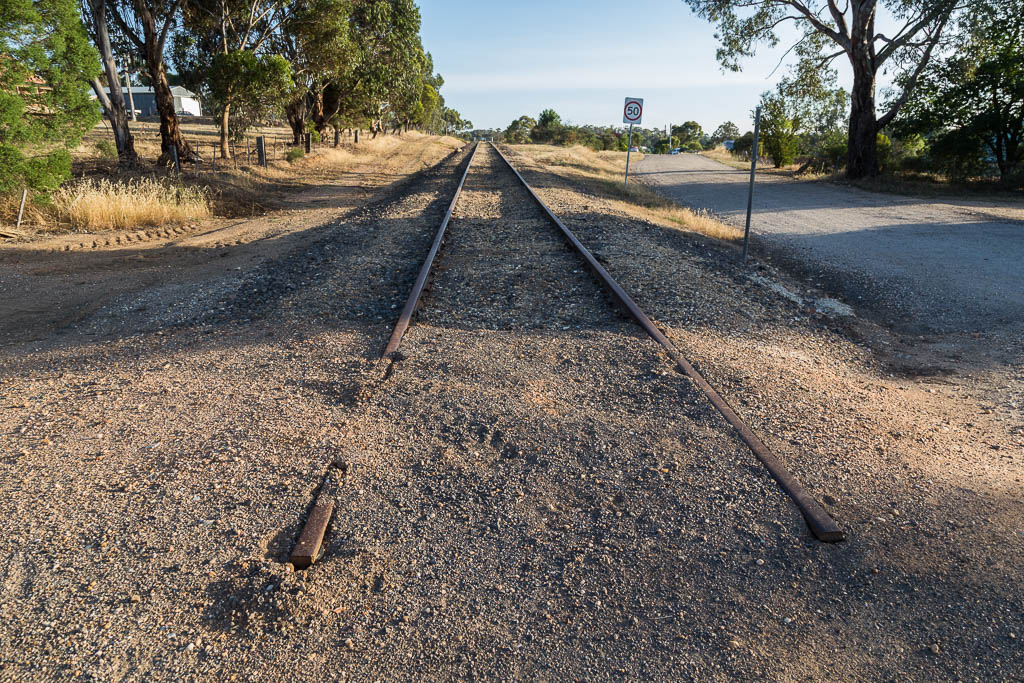 old-railway-line-castlemaine