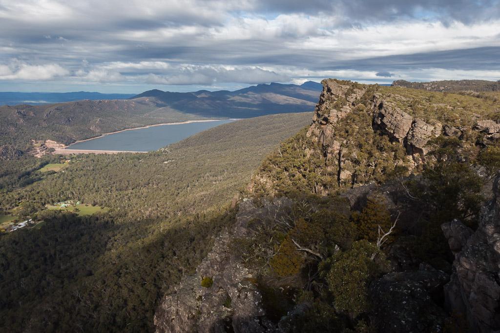 bellfield-lake-from-pinnacles-lookout-grampians
