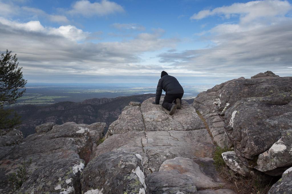 crawling-cliff-edge-grampians
