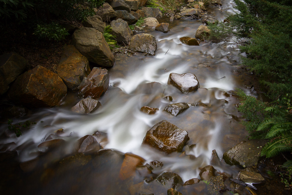 water-over-rocks-steavenson-river