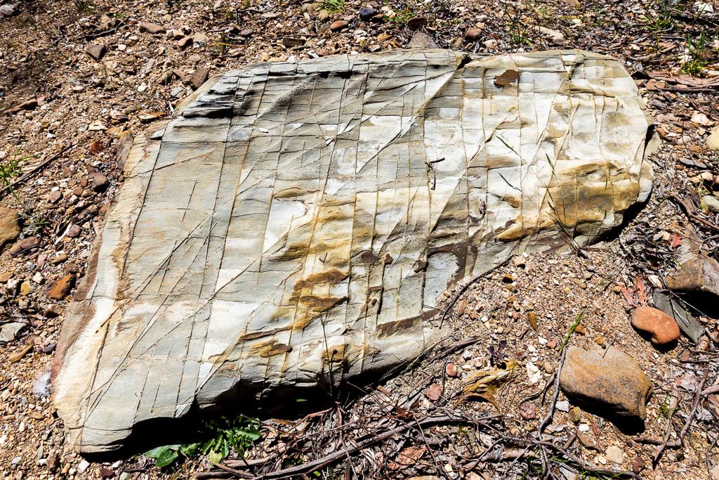 rock-sutherland-creek-steiglitz