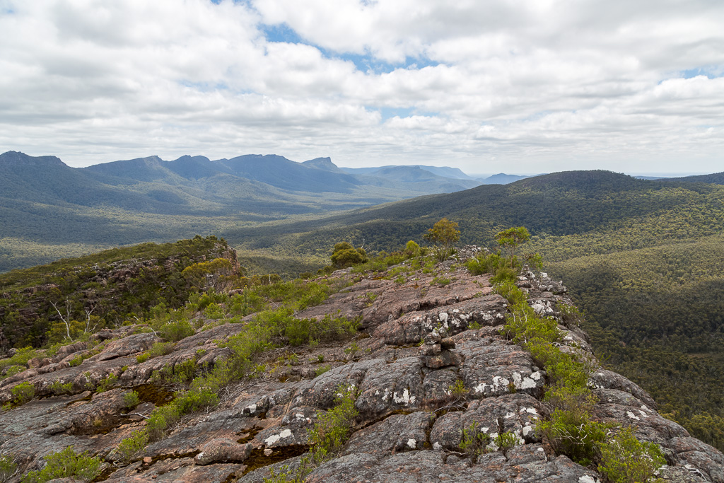 views-from-cathedral-rock-grampians