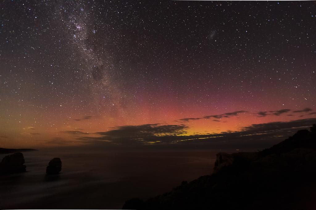 aurora-moonlight-12-apostles-victoria