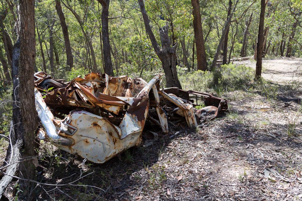 dumped-car-lerderderg-state-park