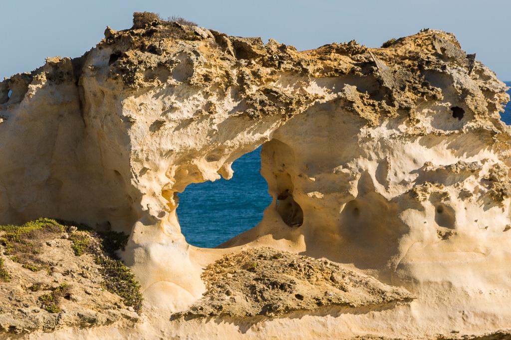 hole-sandstone-surf-coast-victoria