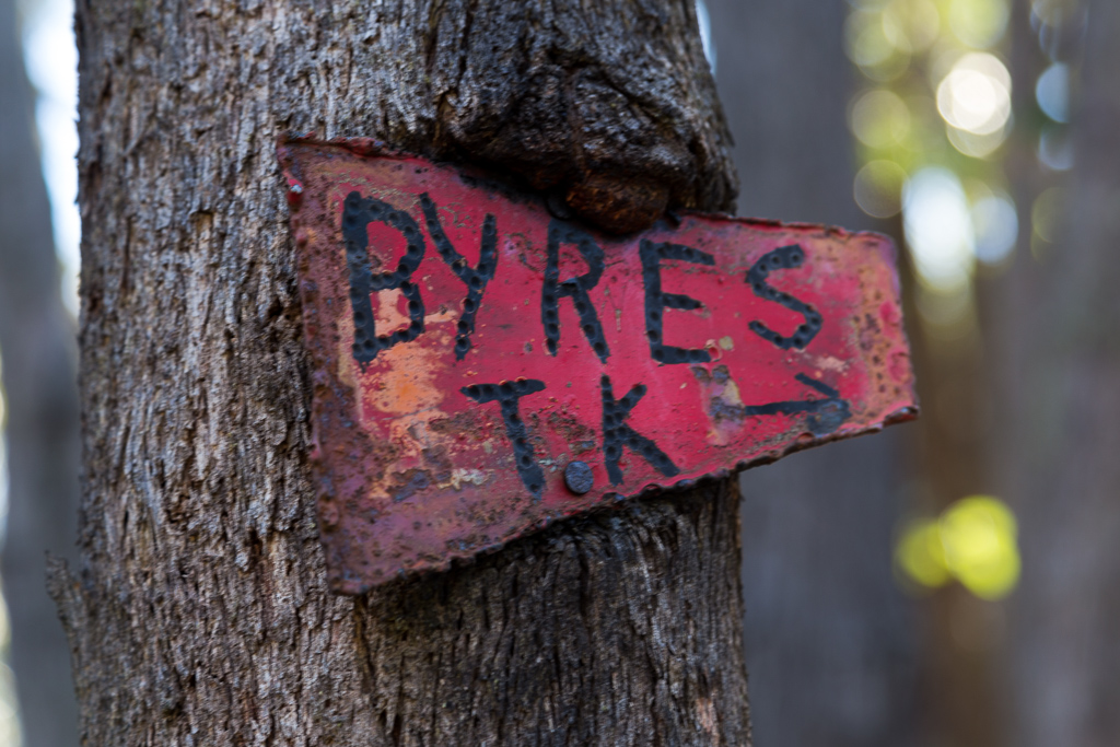 old-byers-track-sign-lerderderg-state-park