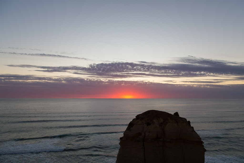 red-sunset-12-apostles-sunset-victoria
