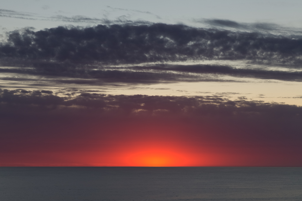 red-sunset-over-ocean