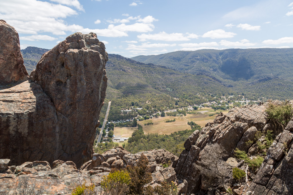 halls-gap-from-ridge-boronia-peak-grampians