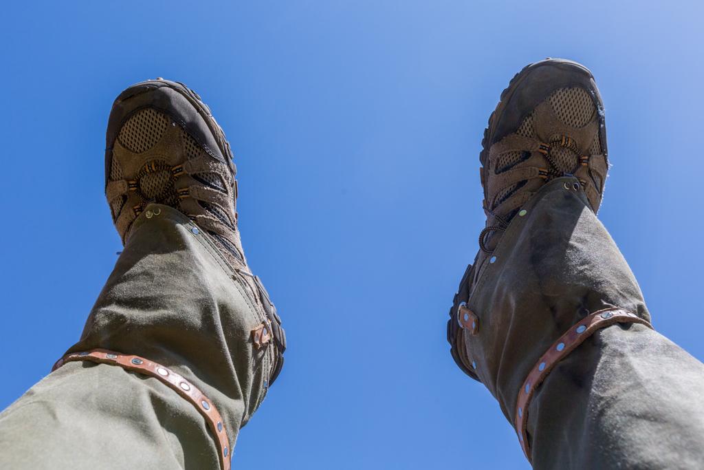 feet-gaiters-blue-sky