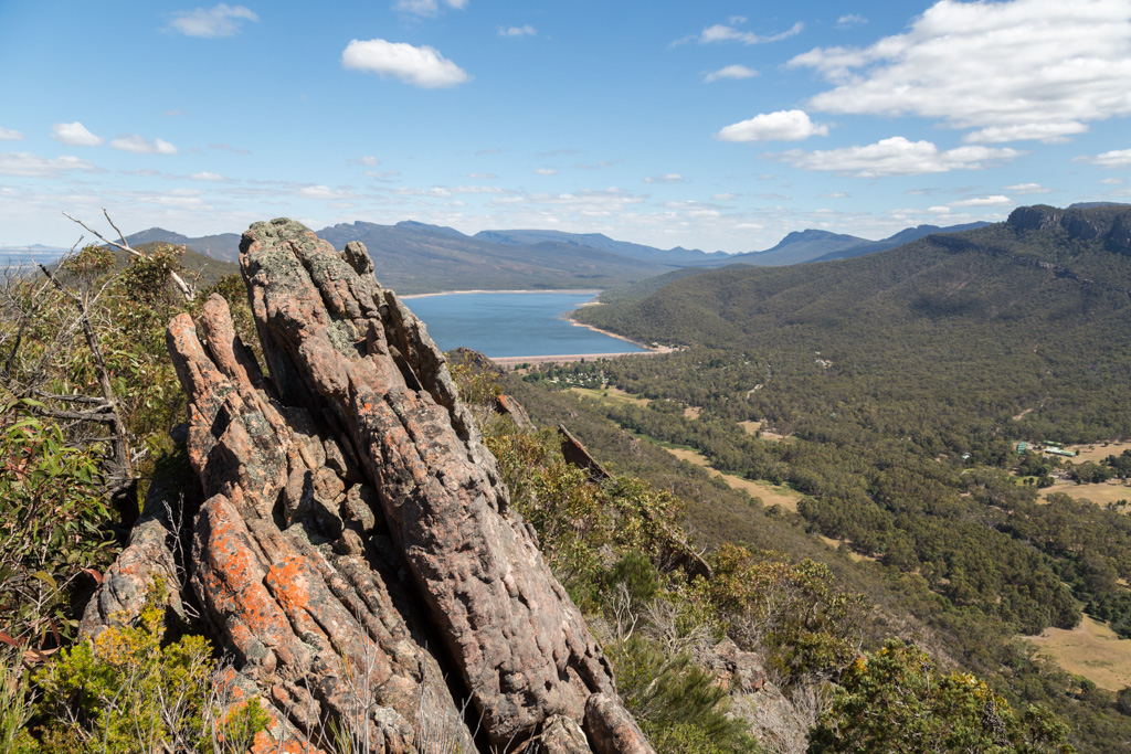 lake-bellfield-ridge-mount-william-range-grampians