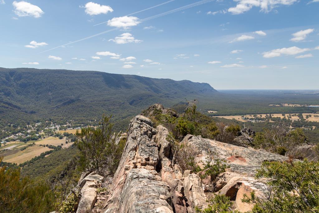 mount-william-range-ridge-near-halls-gap-grampians