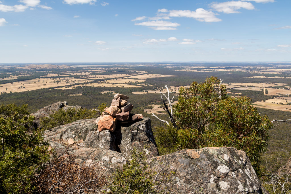 rocks-cairn-ridge-mount-william-range-grampians