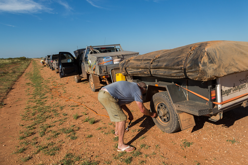 letting-tyres-down-tanami-road-WA