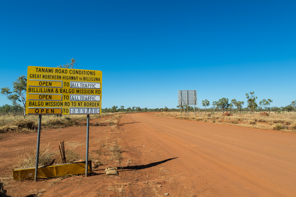 road-sign-start-tanami-road-WA