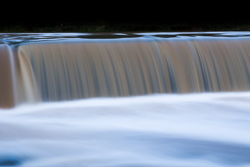water-over-dights-falls-abbotsford