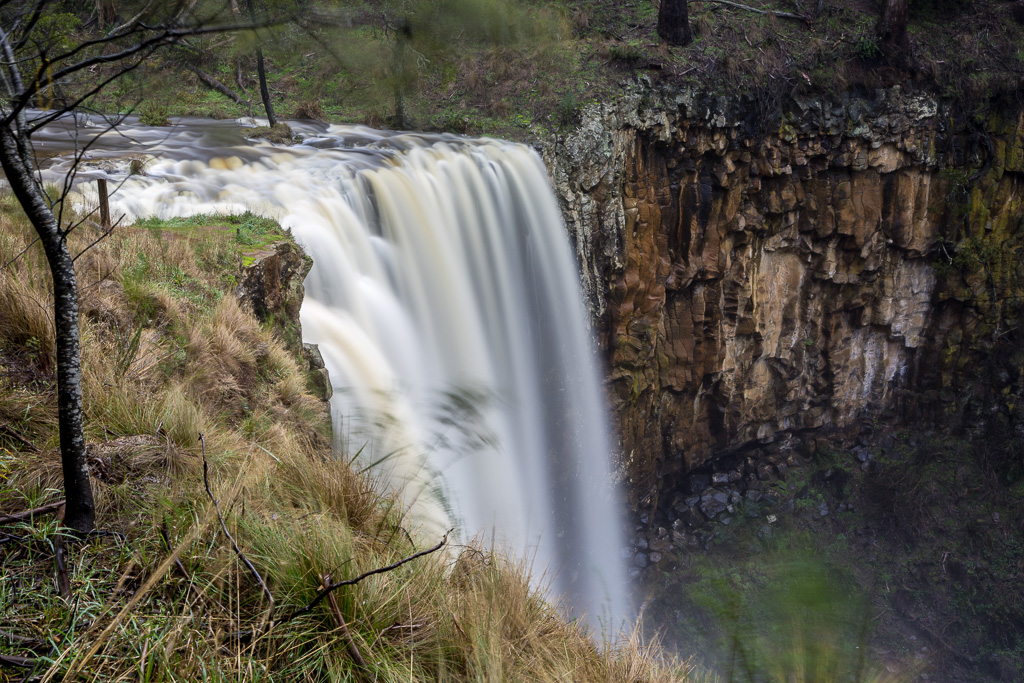 water-trentham-falls-winter