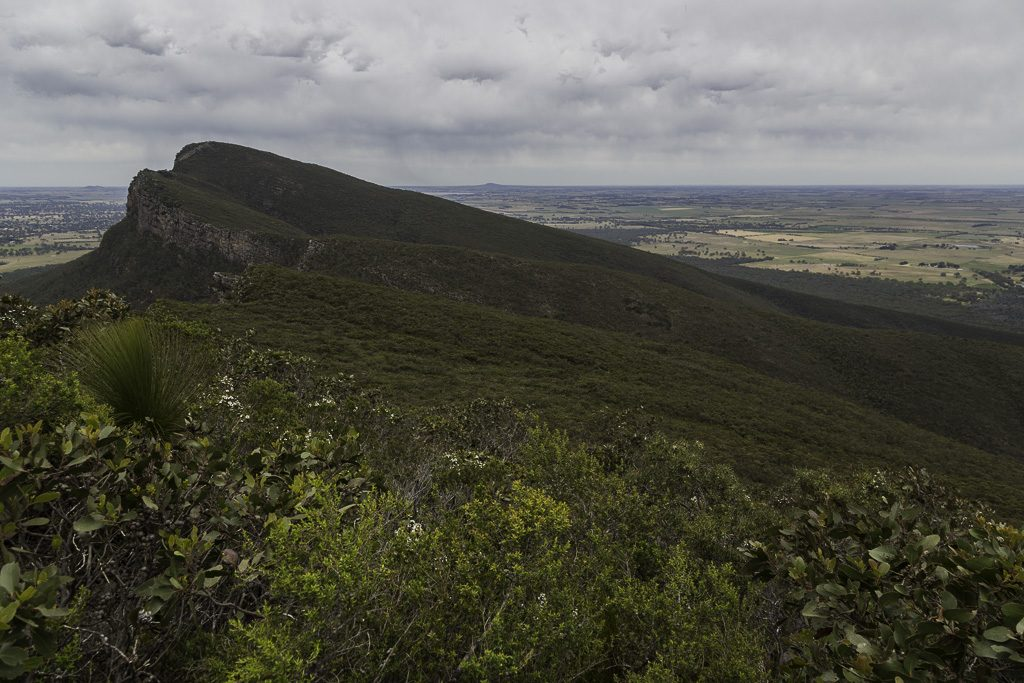 descending-signal-peak-grampians-national-park