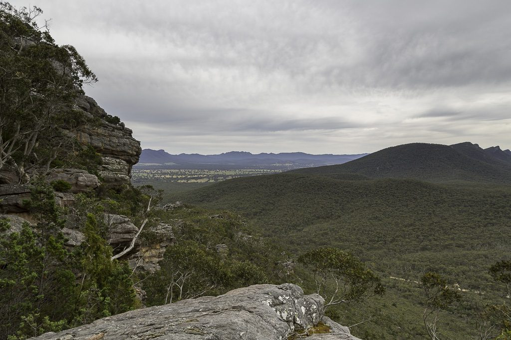 looking-north-climbing-signal-peak-grampians-national-park