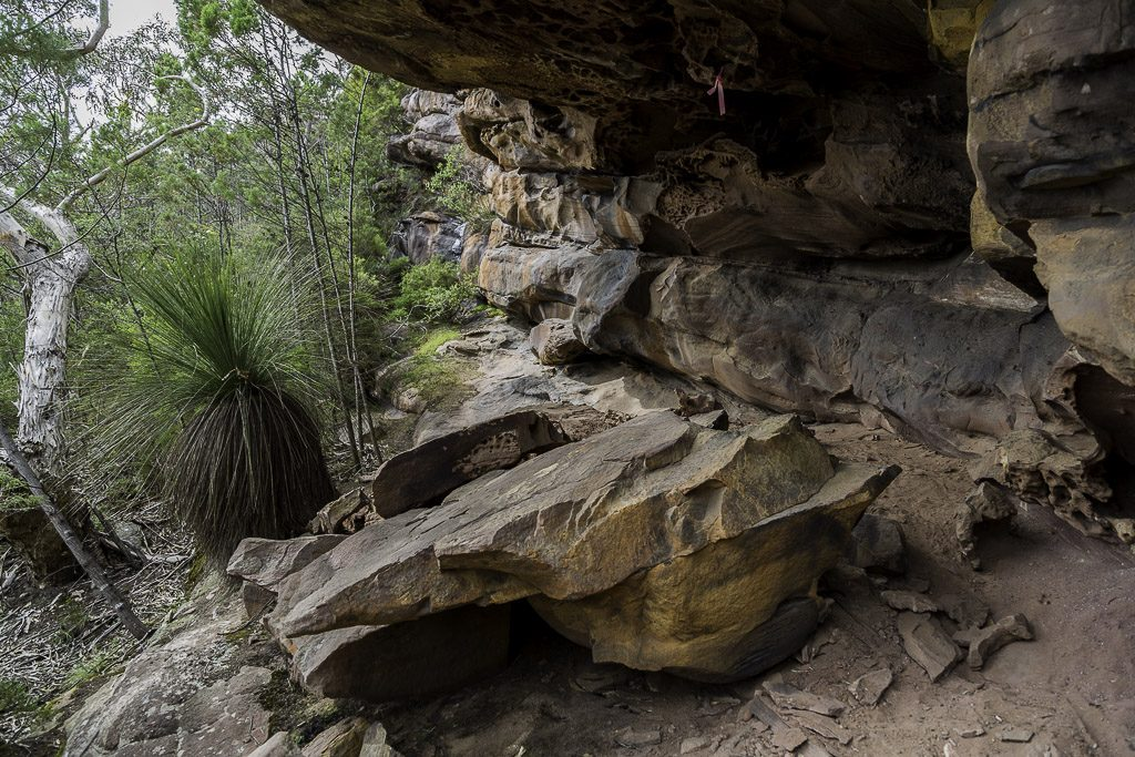 rock-wall-below-signal-peak-grampians-national-park