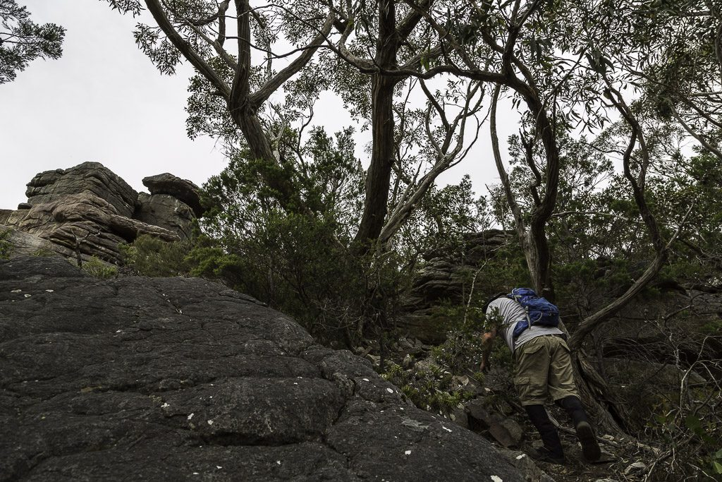 rocks-climbing-signal-peak-grampians-national-park-2