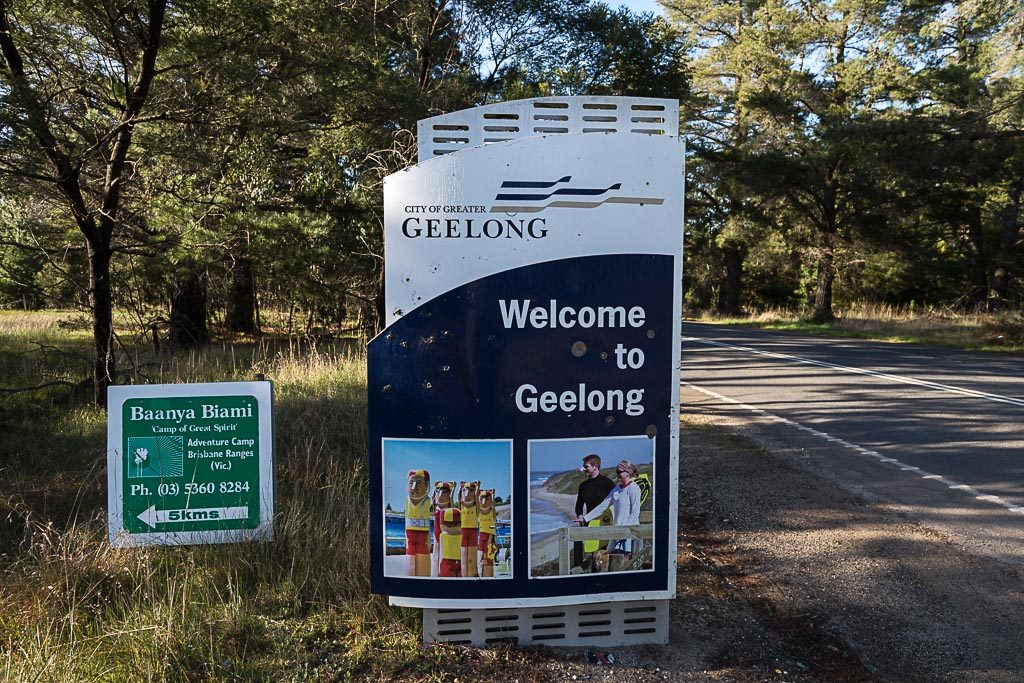welcome-sign-geelong-ballan-road-durdidwarrah