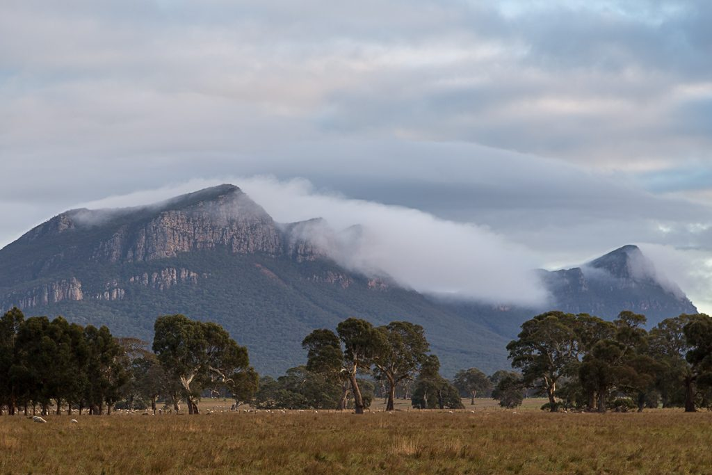 cloud-over-mount-abrupt-grampians