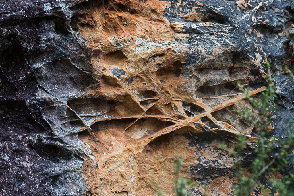 striations-rock-grampians