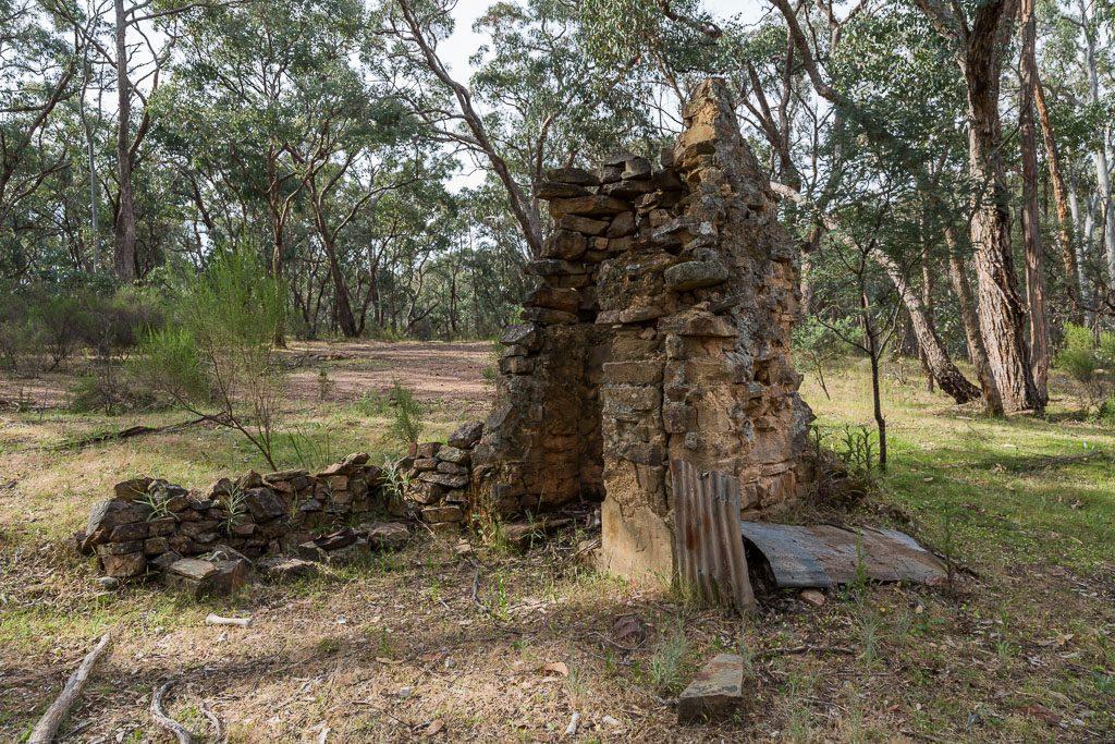 large-chimney-ruins-castlemaine-diggings-national-heritage-park