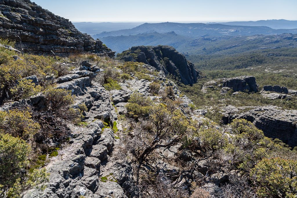 descending_mount_thackeray_grampians