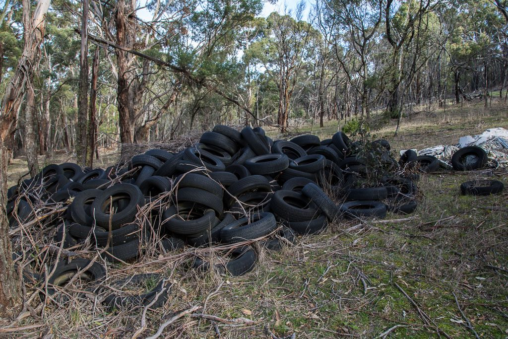 dumped_tyres_lal_lal
