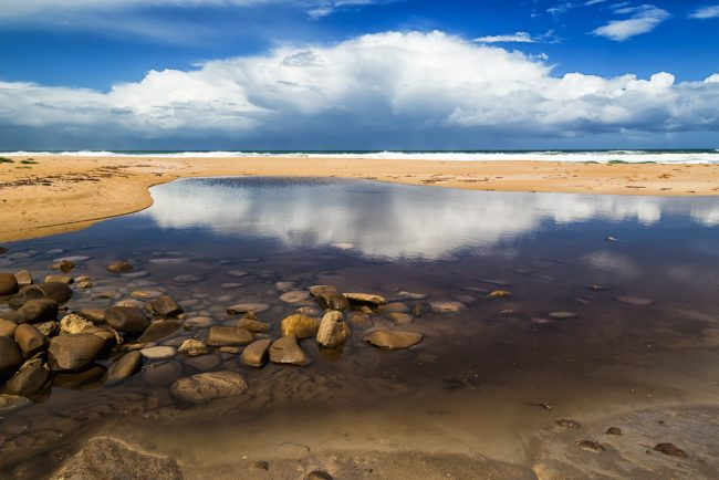 water-reflection-milanesia-beach